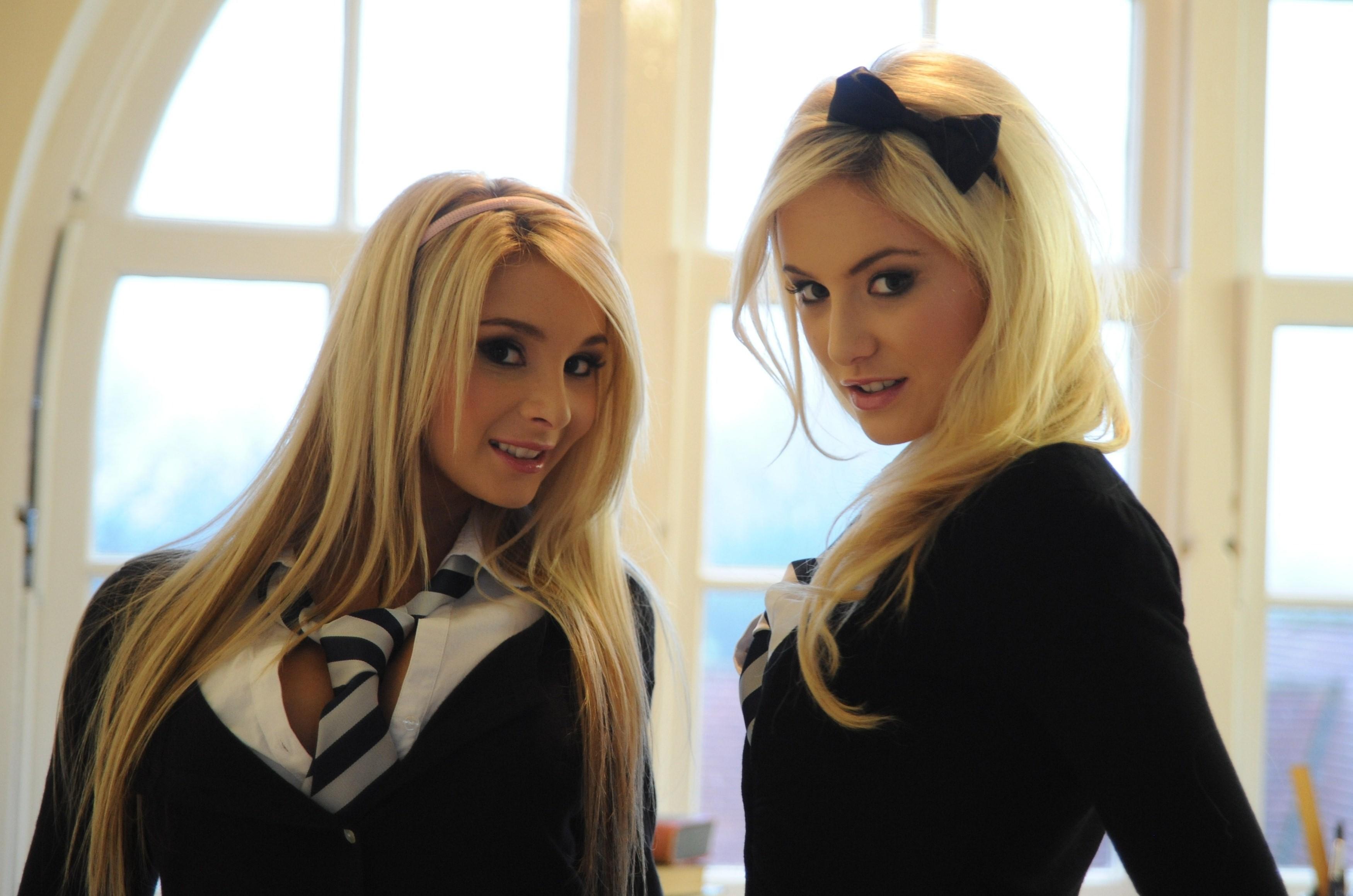 Фото 2 блондинки 8 фотография