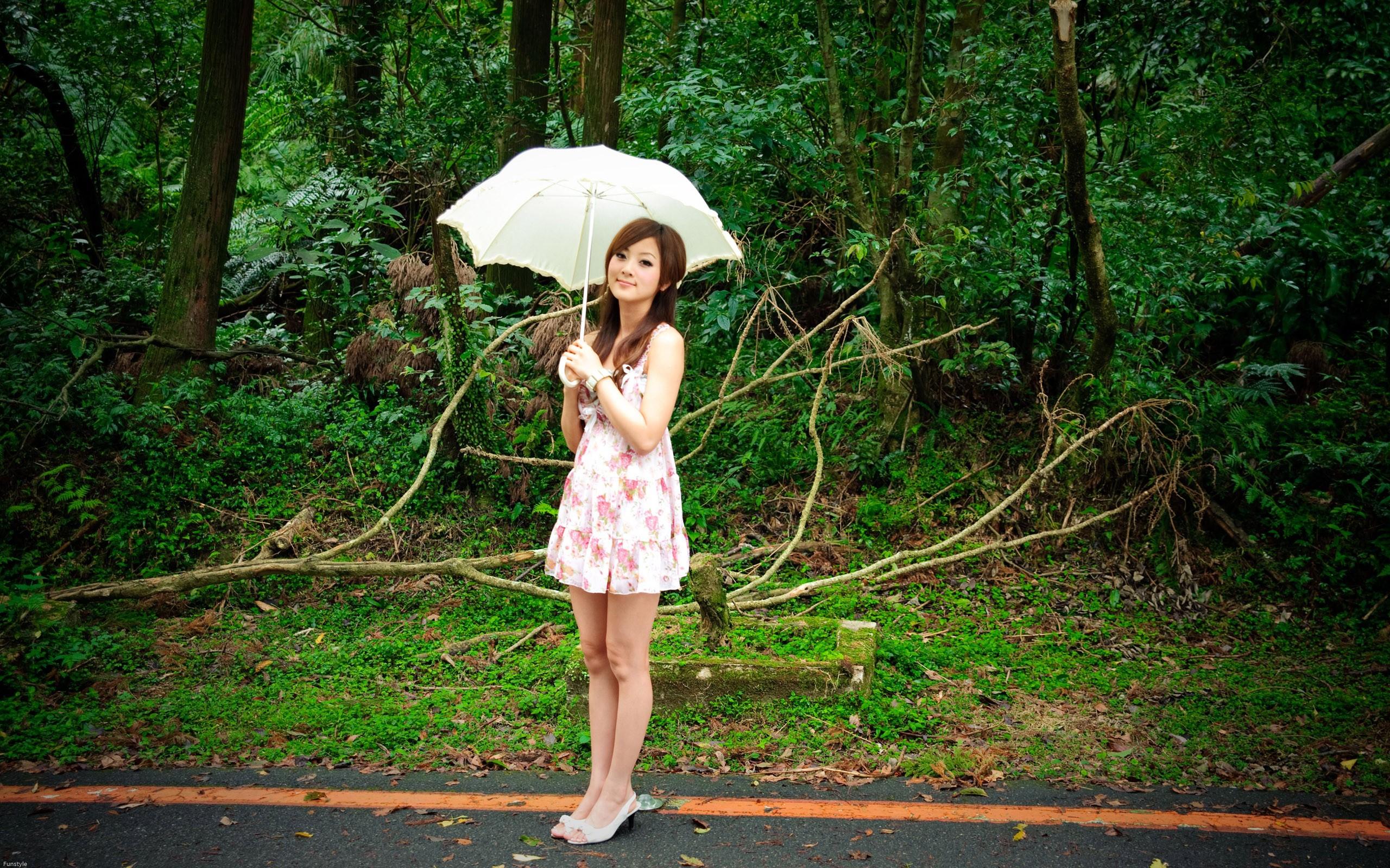 Частное фото девочки из провинции 17 фотография