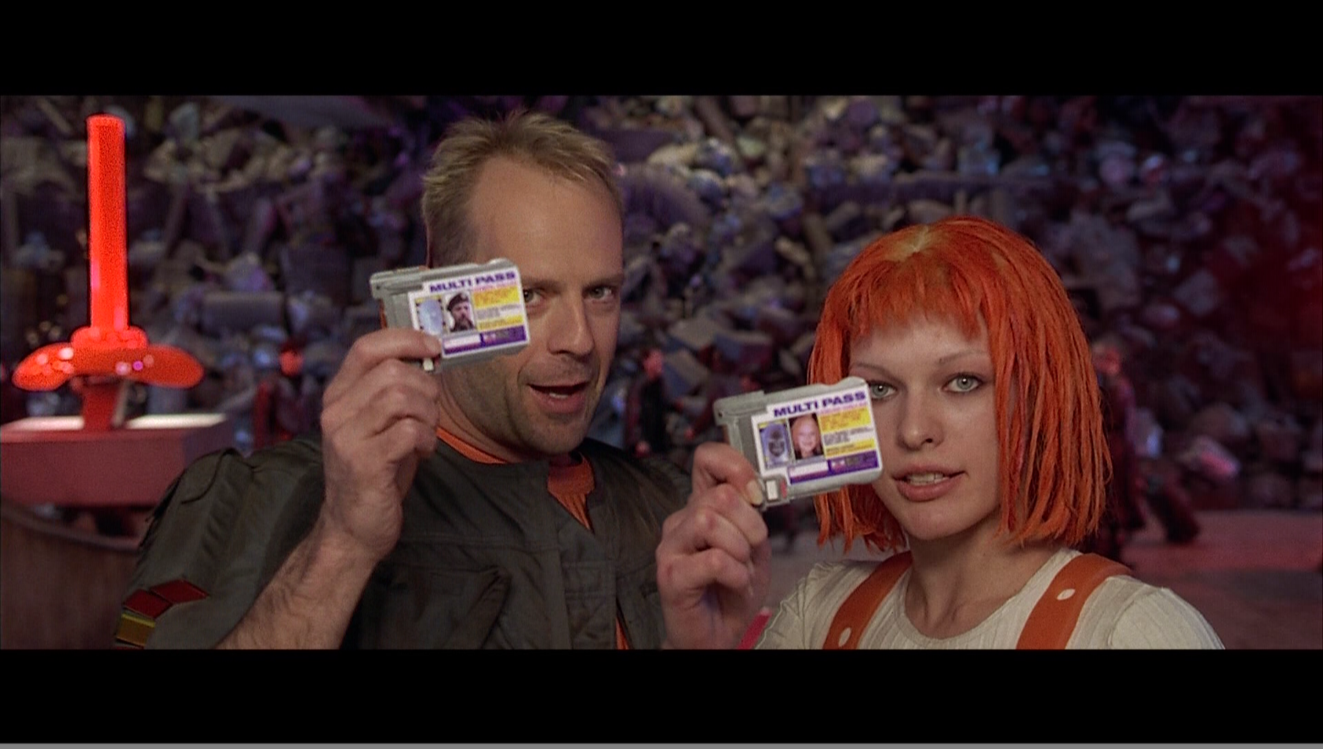 http://cdn.wallpaperjam.com/9ad9ef2a97af673b77d757d3a2e86376fa5e55a3/actress-multipass-the-fifth-element-bruce-willis.png