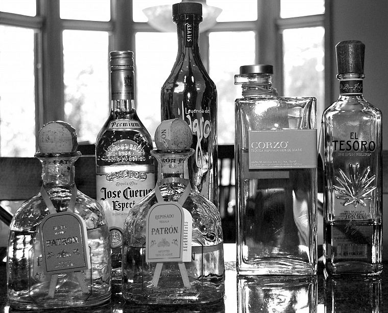 bottles, alcohol - desktop wallpaper