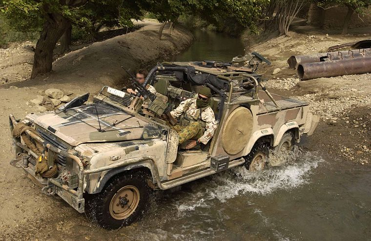 soldiers, army, Land Rover - desktop wallpaper