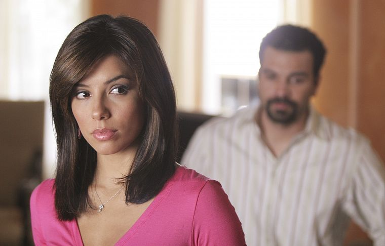 brunettes, TV, women, Eva Longoria, Desperate Housewives, Gabrielle Solis, Carlos Solis, Ricardo Chavira - desktop wallpaper