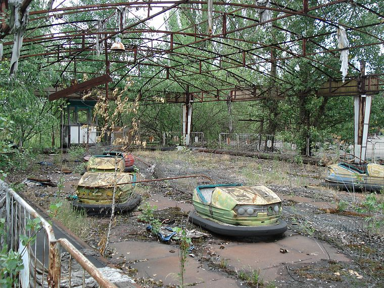 Pripyat, amusement park, abandoned city, bumper cars - desktop wallpaper