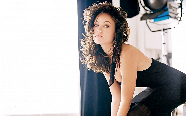 brunettes, women, models, Olivia Wilde, earrings, black dress, gray eyes - desktop wallpaper