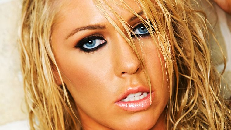 blondes, women, close-up, blue eyes, faces - desktop wallpaper