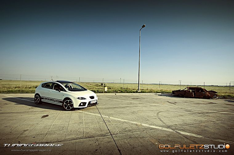 women, cars, Seat Leon, side view - desktop wallpaper