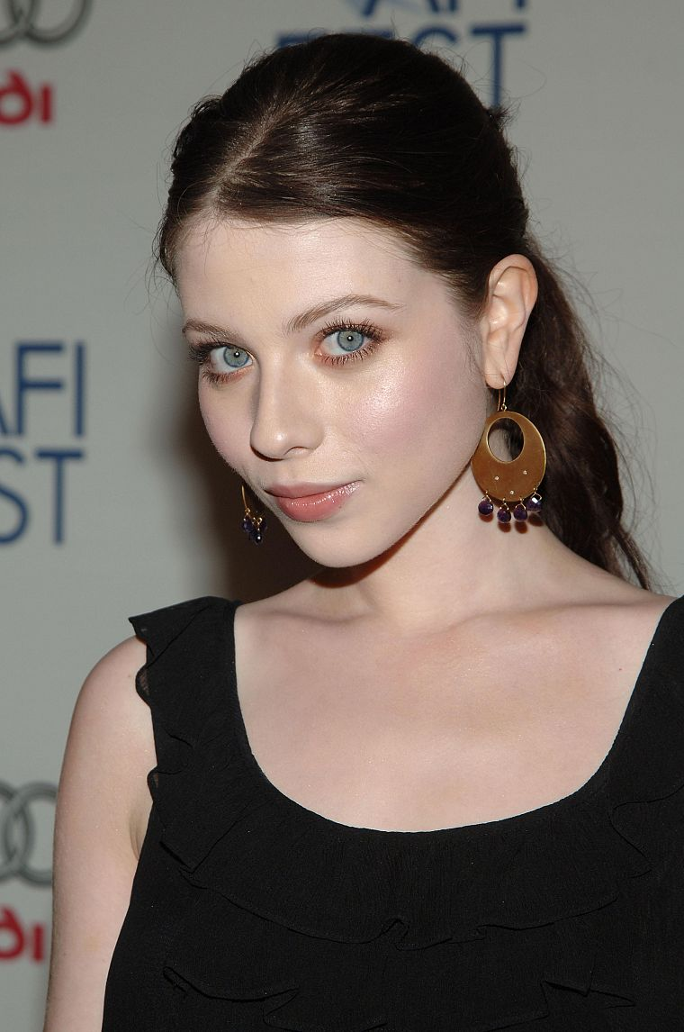 Michelle Trachtenberg - desktop wallpaper