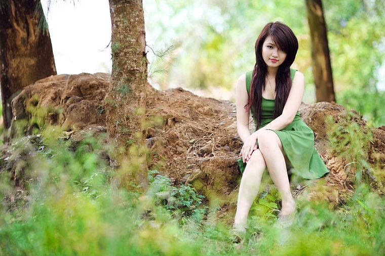 Viet Nam, Asians, green dress, girls in nature - desktop wallpaper