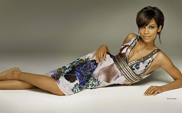 brunettes, women, dress, actress, Rosario Dawson, lying down - desktop wallpaper