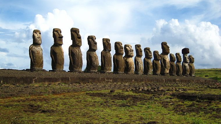 Easter Island, moai - desktop wallpaper