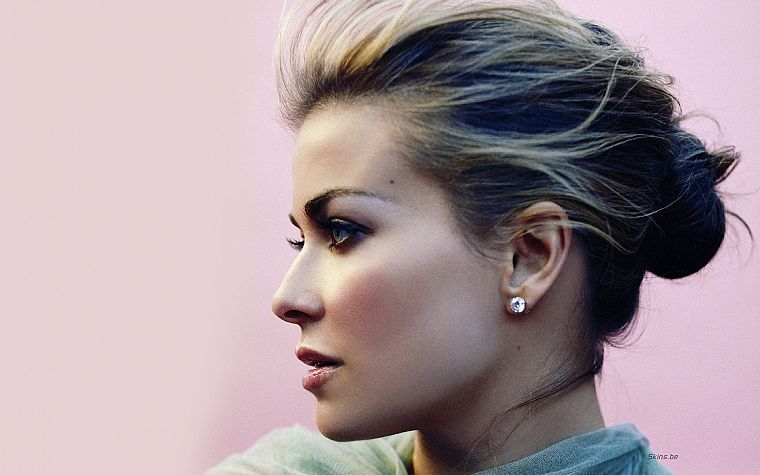 women, models, Carmen Electra, earrings - desktop wallpaper