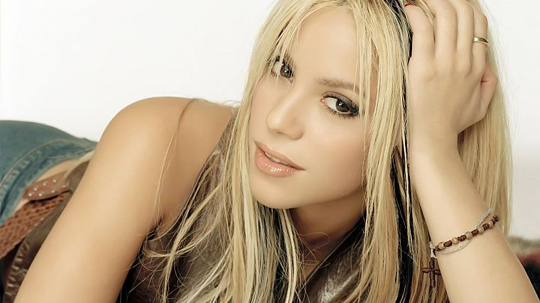 blondes, women, celebrity, brown eyes, Shakira, highlights - desktop wallpaper
