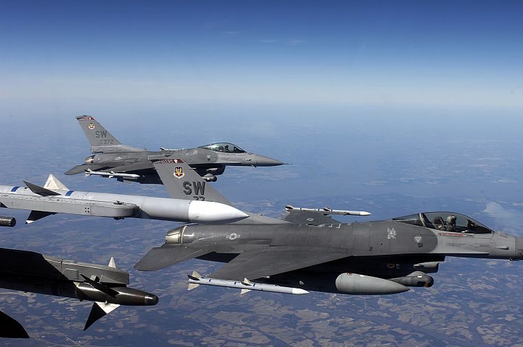 f 16 fighting falcon air base iraq wallpapers ...