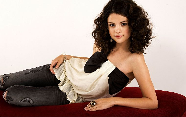 Selena Gomez, celebrity, singers - desktop wallpaper
