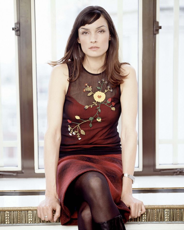 actress window panes - photo #19