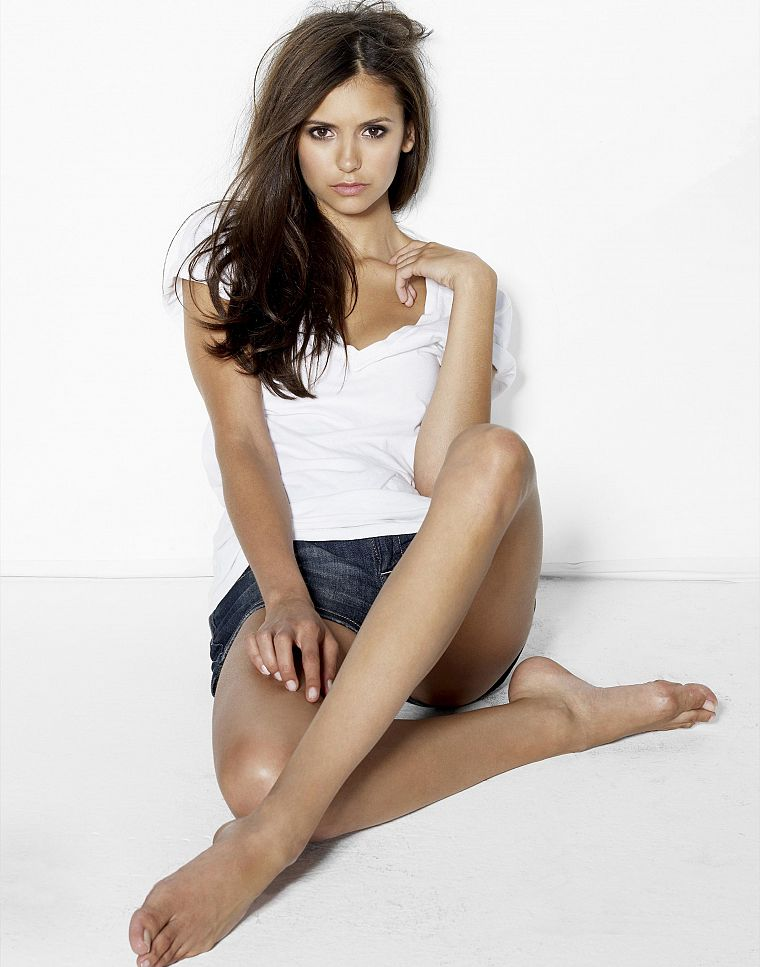 brunettes, women, feet, Nina Dobrev, white background - desktop wallpaper