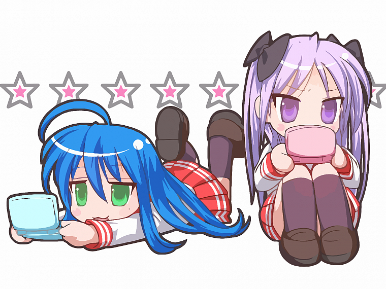 Lucky Star, school uniforms, Hiiragi Kagami, simple background, Izumi Konata, knee socks - desktop wallpaper