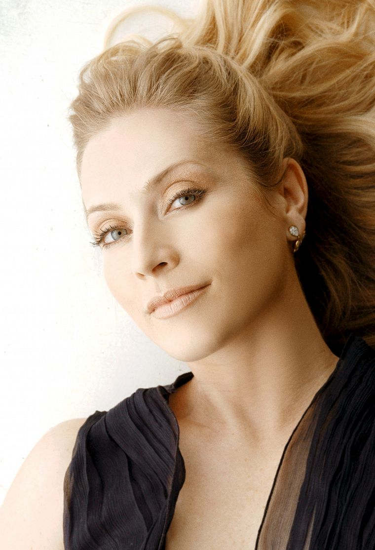 Emily Procter - desktop wallpaper