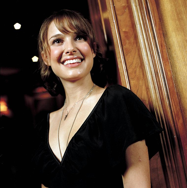 women, actress, Natalie Portman, smiling - desktop wallpaper