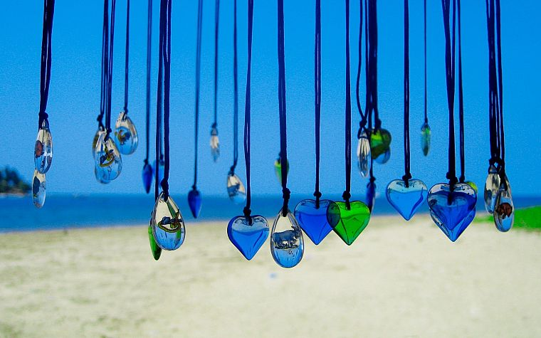 pendant, hearts, beaches - desktop wallpaper