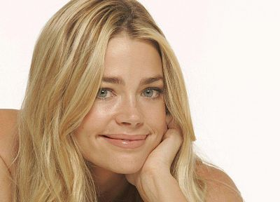 women, actress, Denise Richards, simple background - desktop wallpaper