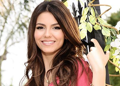 brunettes, women, actress, Victoria Justice, celebrity, singers - related desktop wallpaper