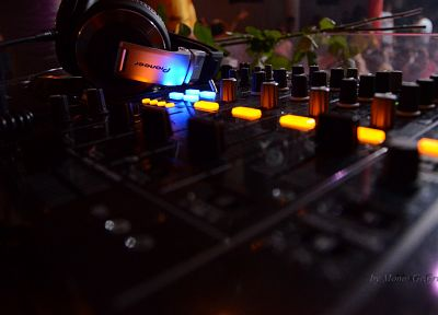 headphones, Pioneer, djm 800, Momo Grujic, club, HDJ-2000 - random desktop wallpaper