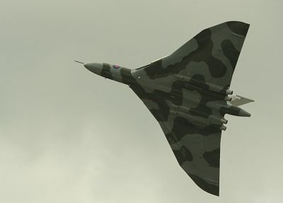 aircraft, military, bomber, Royal Air Force, Avro Vulcan - desktop wallpaper