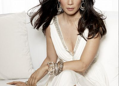 Lucy Liu - random desktop wallpaper