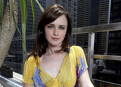 brunettes, women, Alexis Bledel, blue eyes - random desktop wallpaper