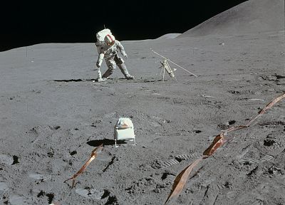 Moon, surface, astronauts - related desktop wallpaper