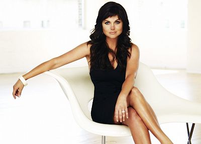 Tiffani Thiessen - random desktop wallpaper