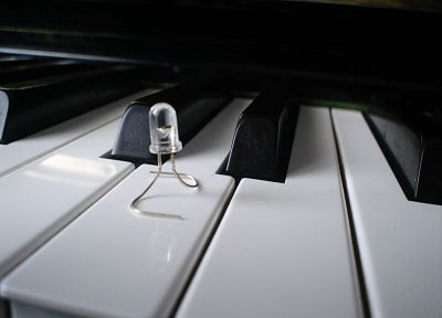 piano - random desktop wallpaper