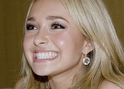 blondes, women, actress, Hayden Panettiere, celebrity, smiling - random desktop wallpaper