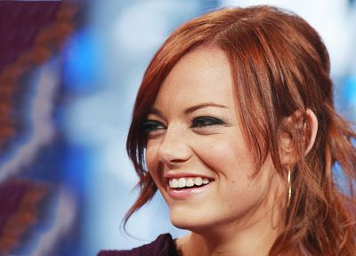 brunettes, women, close-up, redheads, outdoors, Emma Stone, green eyes, smiling, faces - related desktop wallpaper