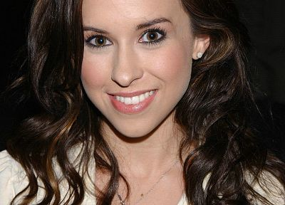 Lacey Chabert - desktop wallpaper