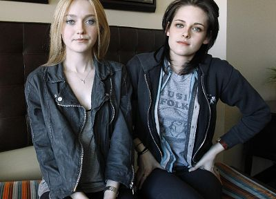 women, Kristen Stewart, movies, actress, Dakota Fanning - random desktop wallpaper