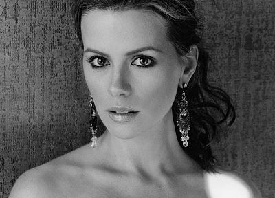 Kate Beckinsale, celebrity, monochrome - random desktop wallpaper