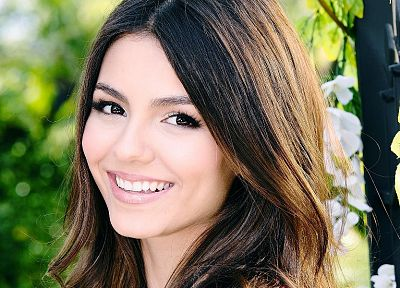brunettes, women, Victoria Justice, portraits - random desktop wallpaper