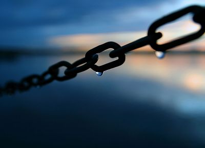 close-up, blue, water drops, chains - random desktop wallpaper