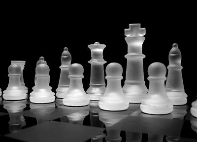 glass, chess, grayscale, chess pieces, Frosted Glass, glass art - random desktop wallpaper