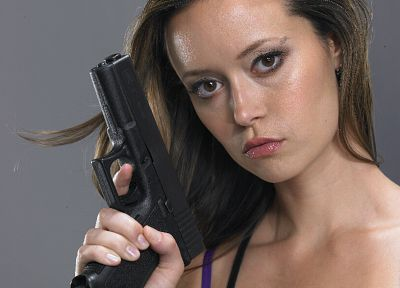 actress, Summer Glau, Terminator The Sarah Connor Chronicles, Cameron Phillips, handguns - related desktop wallpaper