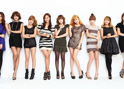 brunettes, women, dress, stockings, Girls Generation SNSD, celebrity, high heels, Asians, necklaces, armbands - desktop wallpaper