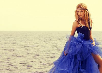 women, blue, dress, Shakira, Colombia, singers, sea - random desktop wallpaper