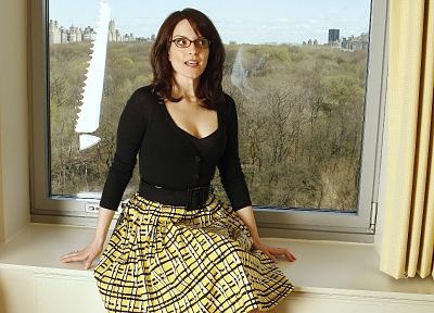 brunettes, women, dress, Tina Fey, high heels, window panes, girls with glasses, windows - related desktop wallpaper