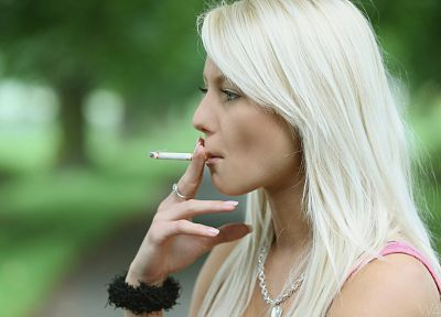 women, smoking, Annely Gerritsen - random desktop wallpaper