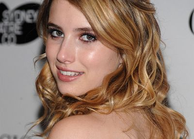 Emma Roberts - random desktop wallpaper
