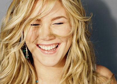 blondes, women, Joss Stone, smiling - desktop wallpaper