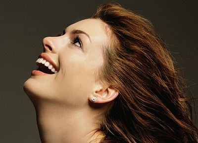 brunettes, women, Anne Hathaway, actress, laughing - related desktop wallpaper