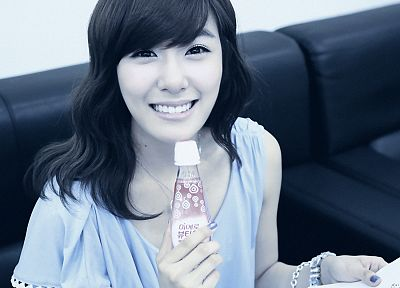 women, Girls Generation SNSD, celebrity, Asians, Korean, K-Pop, Tiffany Hwang, bangs - random desktop wallpaper
